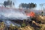 Hasiči v Olomouckém kraji v sobotu zasahovali u desítek požárů v přírodě.