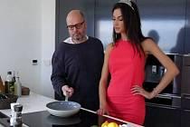 Zdeněk Pohlreich a Eliška Bučková v reklamním spotu na Garden Food Festival v Olomouci