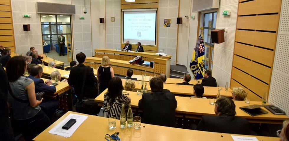 Prezident Miloš Zeman na setkání se krajskými zastupiteli a starosty obcí v sídle hejtmanství v Olomouci