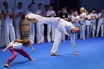Capoeirista Ondřej Novák v akci