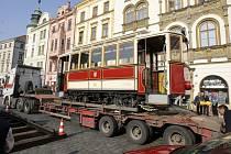 Historická tramvaj na Horním náměstí.