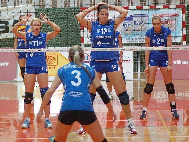 Olomoucké volejbalistky v modrém
