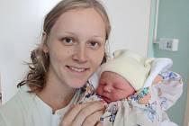 Klára Kubečková, Olomouc, narozena 12. června v Olomouci, míra 50 cm, váha 3110 g.