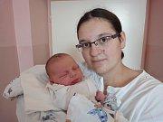 Veronika Opletalová, Náklo, narozena 25. července v Olomouci, míra 51 cm, váha 3760 g.