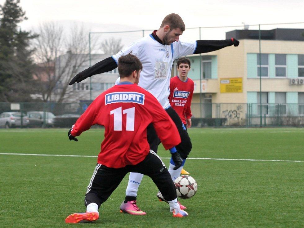 Fotbalisté Přerova (v bílém) odehráli přípravný zápas proti Sigmě U 19.