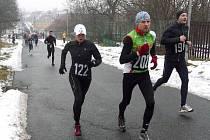 Zimní běh přes Kosíř - s číslem 122 Petra Kamínková