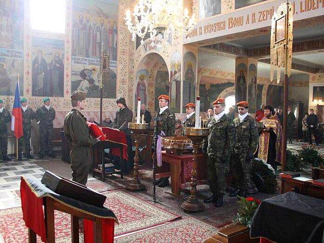 Rozloučení s Josefem Flanderou, válečným veteránem a nejstarším Čechem, v olomouckém chrámu sv. Gorazda