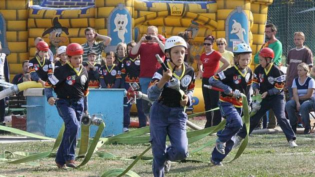 Mladí hasiči z Velkého Újezda