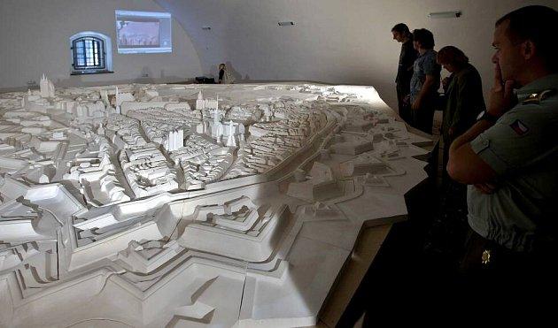Jak vypadala Olomouc coby pevnost vpolovině 18.století si mohou prohlédnout návštěvníci prachárny volomoucké Korunní pevnůstce.  Sádrový model ukazuje možnou podobu města vroce 1758