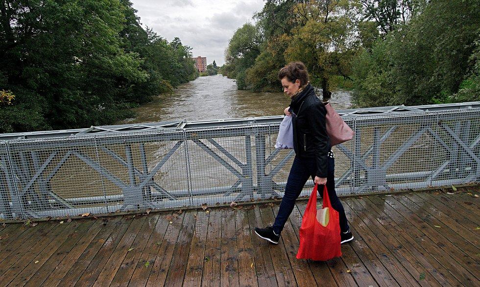 U Klášterního Hradiska. Řeka Morava na 2. SPA v Olomouci. 16. října 2020
