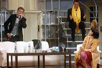 Komedie Neila Simona bývá uváděna i pod názvem Výborná kachna.