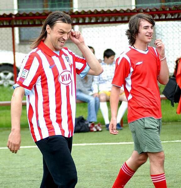 Tomáš Ujfaluši v dresu Atletica Madrid v týmu Slovanského gymnázia