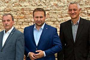 Zleva: Dalibor Horák (lídr ODS), Marian Jurečka (lídr Spojenců) a Josef Suchánek (lídr Pirátů a Starostů)