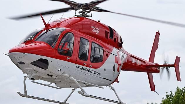Letečtí záchranáři si v Olomouci vyzkoušeli nový vrtulník Bell 429