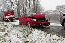 Zásah hasičů u dopravní nehody v Bohuňovicích na Olomoucku u místní čističky odpadních vod