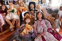 Výstava panenek ve štěpánovské škole