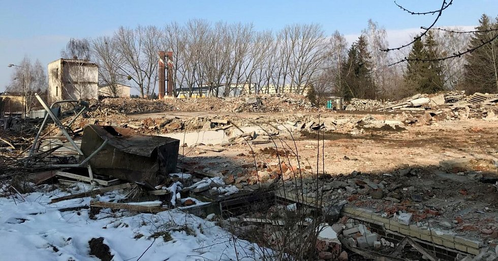 Z Tabulového vrchu v Olomouci mizí bývalé vojenské objekty za areálem fakultní nemocnice