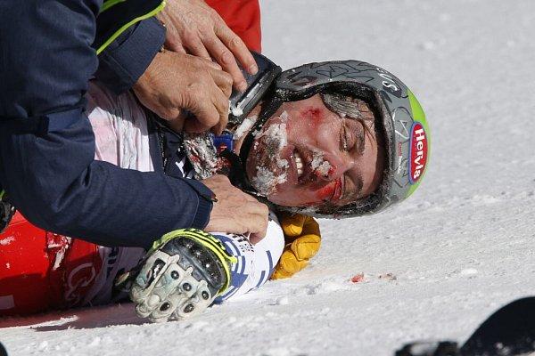 Hrůzný pád Ondřeje Banka na MS ve sjezdovém lyžování vBeaver Creeku