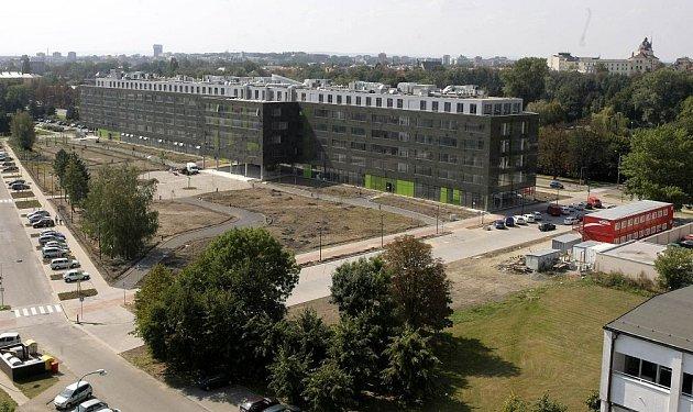 Novostavba přírodovědecké fakulty na Envelopě - září 2008