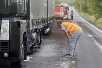 Nehoda zablokovala už tak komplikovanou cestu z Olomouce do Přerova.