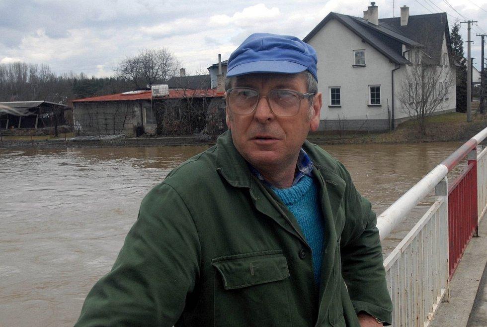 31. března 200. Chomoutov