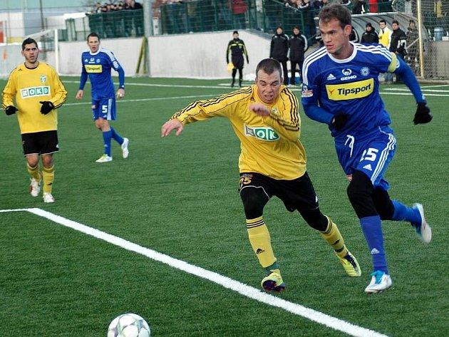 Martin Jirouš (vpravo), Jakub Podaný v pozadí