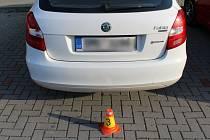 Nehoda při parkování v Uničově, 9. 6. 2019
