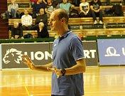 Trenér Prostějova Lubomír Petráš.