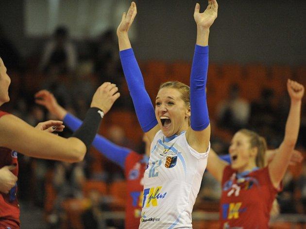 Radost Julie Kovářové z vítězného týmu Prostějova. Finále Českého poháru Prostějov vs. Olomouc