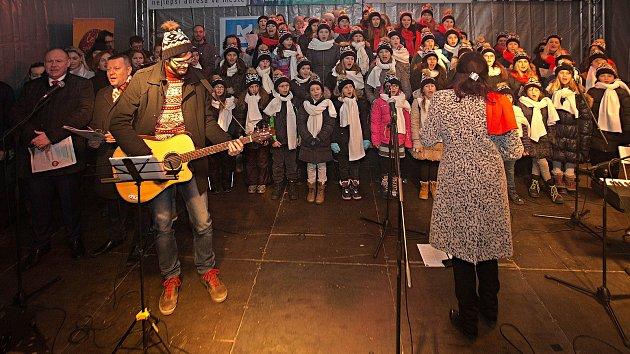 Česko zpívá koledy v Olomouci 2017