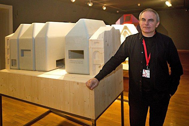 Model SEFO vMuzeu umění vOlomouci a autor jeho podoby architekt Jan Šépka