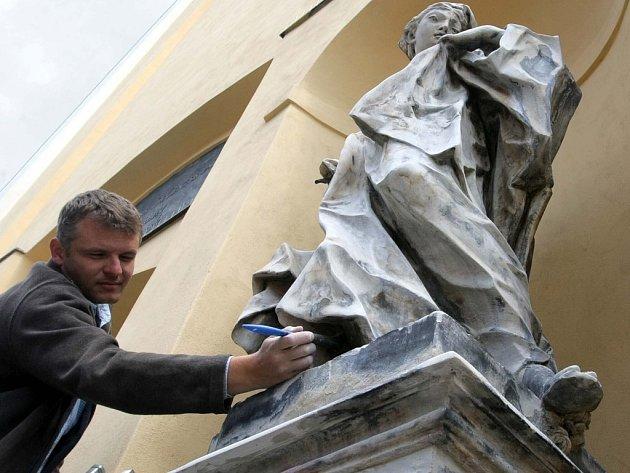 Opravy soch na kostele sv. Michala