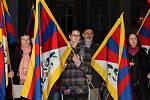 Zapálením svíček a minutou ticha si Olomoučané u radnice připomněli krvavé povstání v Tibetu z 10. března 1959