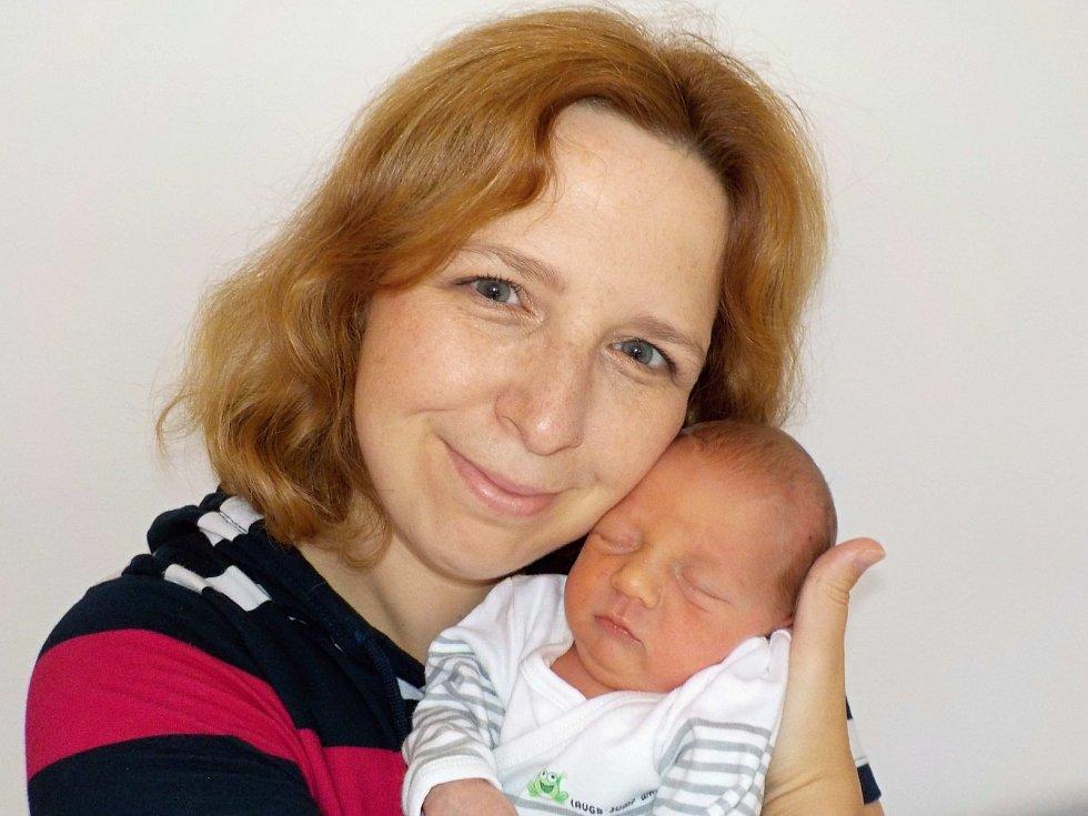 Šimon Merva je po Tomášovi druhorozený syn Petry a Rastislava z Lanškrouna. Narodil se 8. 8. v 5.33 hodin a vážil 2750 g.