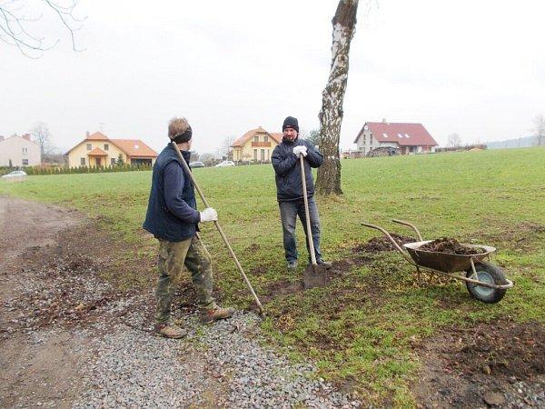 Jarní brigáda pro občany Knapovce, Horního a Dolního Houžovce.