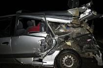 V Dolní Dobrouči se v nočních hodinách  14. ledna střetl vlak s autem.