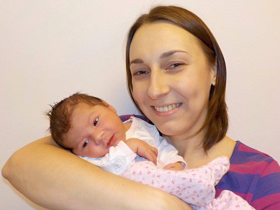 Nina Doubravová je prvorozená holčička Pavly a Daniela z Tržku. Dne 4. 12. v 10.39 hodin přišla na svět s váhou 3110 g.