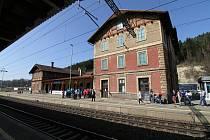 Oustecké nádraží opět k prodeji?