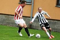 GÓLU se ústecký útočník Jan Souček (vpravo) proti Kutné Hoře nedočkal, byť tomu měl v závěru zápasu hodně blízko, ale samostatný únik zakončil příliš dlouhou kličkou brankáři.