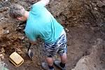 Záchranný archeologický výzkum na starém hřbitově v Ústí nad Orlicí.