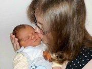 Dominik Osuský je po Danielkovi druhý syn Lucie a Pavla ze Žamberka. Narodil se 10. 2. v 16.53 hodin a vážil 4070 g.