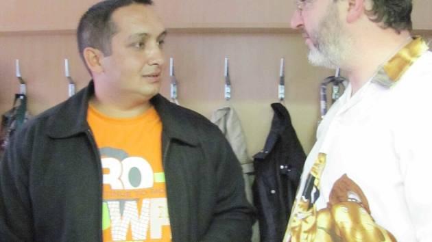 Nový asistent prevence kriminality Ernest Bandy v rozhovoru s Danem Dostrašilem z klubu Kamin v ústeckých Hylvátech.