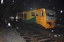 Ve Vysokém Mýtě vykolejil vlak.