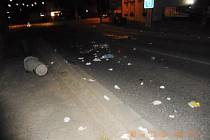 Lanškrounská ulice po řádění výtržníků.