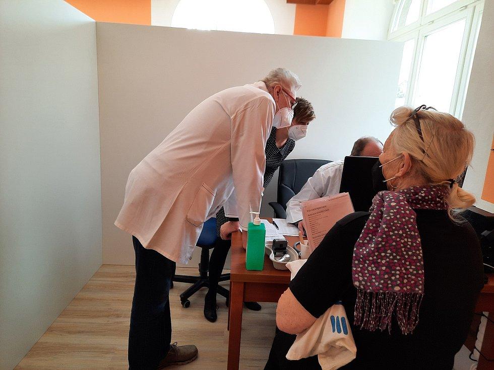 Vyšetřovna očkovacího centra v Brandýse nad Orlicí