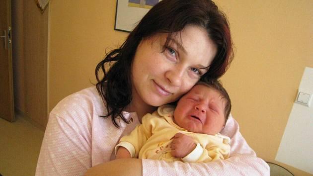 Amy Minářová je po Abigail druhou dcerou Moniky a Jana Minářových z Ústí. Narodila se 12. dubna v 10.46 hodin, kdy vážila 3,65 kg.