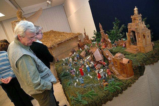 V českotřebovském Kulturním centru je nyní výstava betlémů.