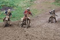 Pravý motokros zažili závodníci v Žamberku, kde v průběhu prvního dílu seriálu Nativ cup zapršelo a chvíli se jezdilo i na blátě.