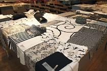 Oděvní textilky vytrvale ničí dovoz levných látek především z asijských zemí. Ilustrační foto.