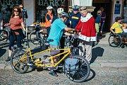 Start mezinárodní cyklistické akce Cyklo Glacensis 2017 na náměstí v Ústí nad Orlicí.